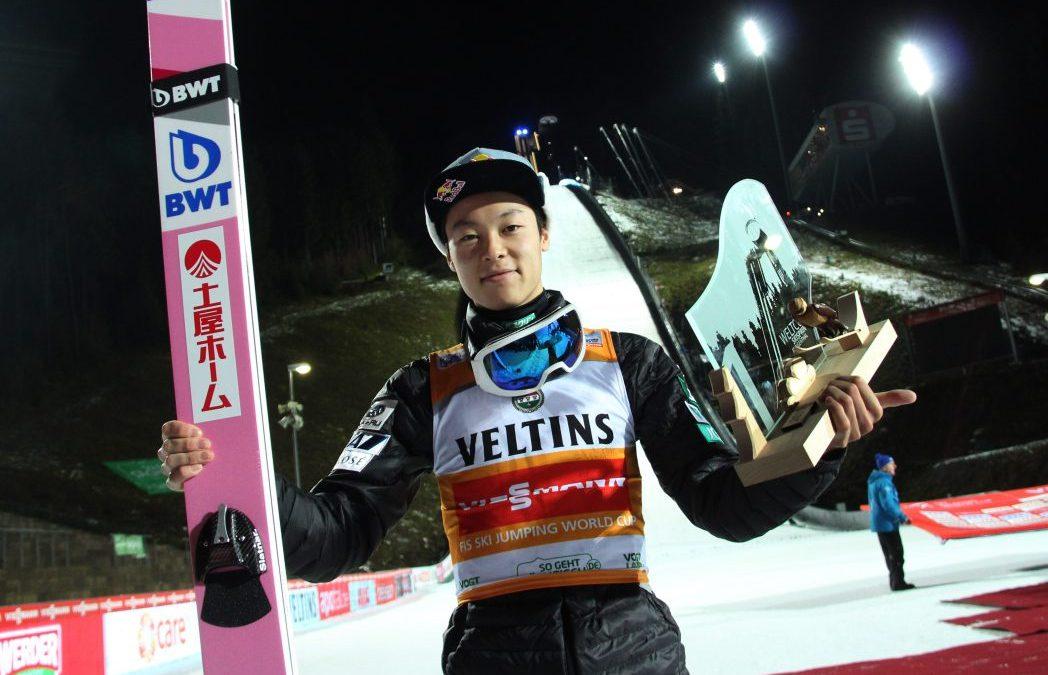 Kobayashi gewinnt Weltcup in Klingenthal